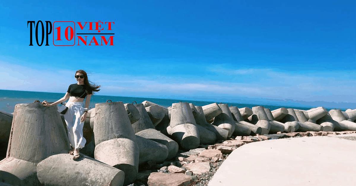 Bãi Đá Ông Địa Cảnh Đẹp Bình Thuận